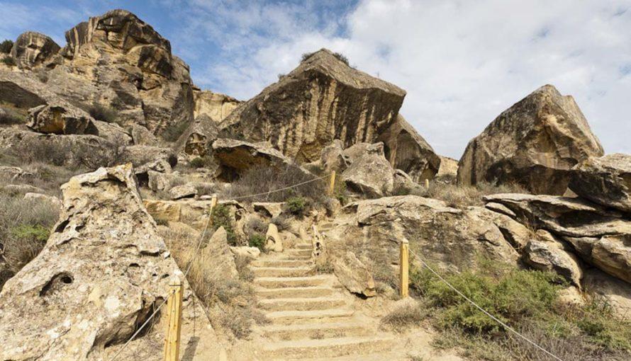 Путешествие в Азербайджан, Гобустан, рисунки на скалах